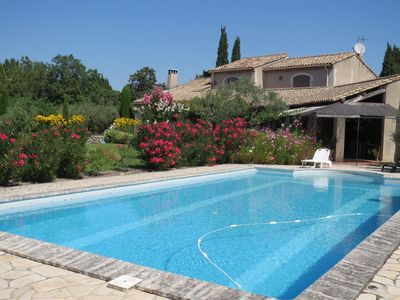 Photo for Country house charming Provencal quiet and not overlooked