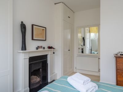 Photo for Cosy 1 bedroom flat with garden in lovely Chiswick