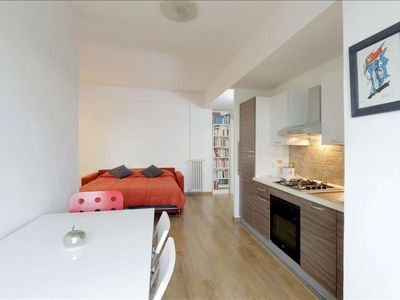 Photo for Pullino apartment in Testaccio-Piramide with WiFi, integrated air conditioning, balcony & lift.