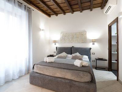Photo for Exclusive apartment to the Spanish Steps