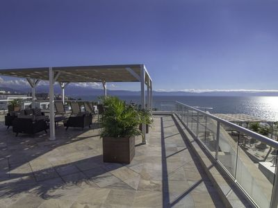 Photo for 9th Floor Diamond Penthouse Overlooking Pacific Ocean - 3 Bed 3 Bathroom