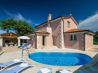 Photo for Lovely villa with private pool near Porec