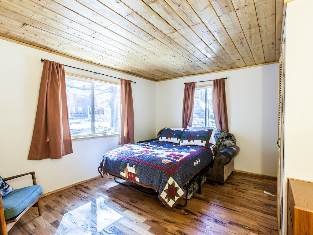 big cabin lesbian singles This single-family home is located at 436255 east 330th road, big cabin, ok 436255 e 330th rd is in the 74332 zip code in big cabin, ok.