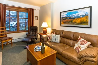 Welcome to Zephyr 1606 - a bright & inviting condo with views of Base Area Village