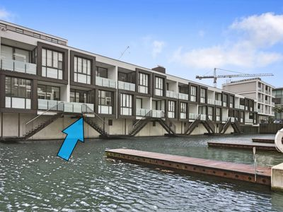 Photo for Viaduct Harbour Waterside Apartment
