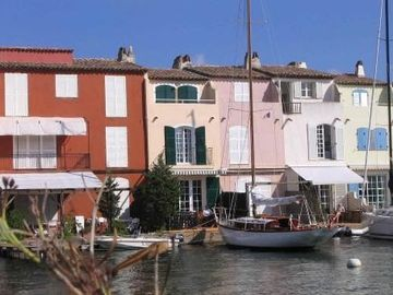 Fisherman's House, with his face BEACH MOORING Private (12 m. X 4, 50)! Rare!