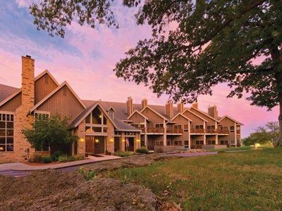 Photo for Galena, IL: Studio w/Fireplace, Jetted Tub, Resort Pool & Outdoor Activities