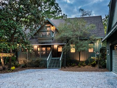 """Photo for """"Grayt Hideaway"""" Screened Porch! Smart TVs throughout. Bike to Beach/Red Bar!"""