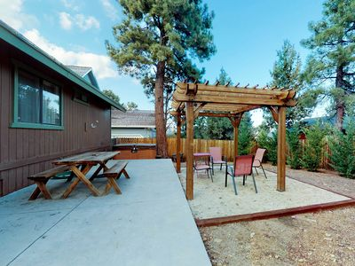 Photo for Comfortable home w/private hot tub, jetted tub & fenced yard