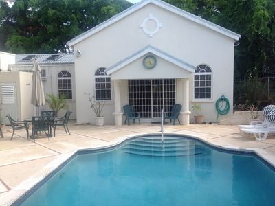 Photo for Beautifully furnished Villa/Bungalow, Large Pool/patio, Private Rd In Holetown
