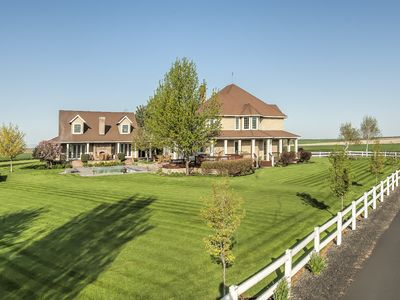 Photo for 2 Home Estate - 7400 Sq/ft: 10 beds, sleeps 20 - luxurious living indoor and out
