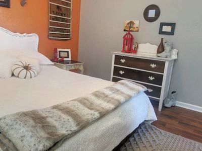 Photo for Rustic Chic 1BR  2 blks to Historic Downtown