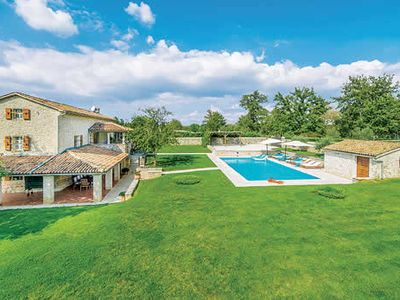 Photo for Impressive farmhouse w/ 5 bedrooms, private pool & large outdoor table