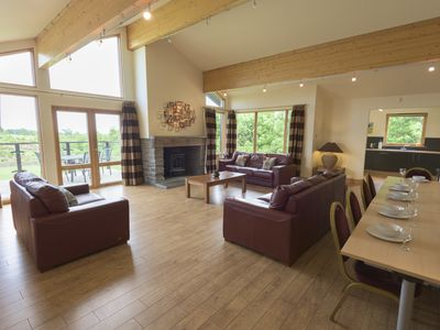 Photo for 5BR House Vacation Rental in Dundee