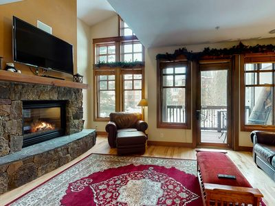 Photo for Modern resort condo w/balconies, fireplace & private hot tub - walk to lifts!