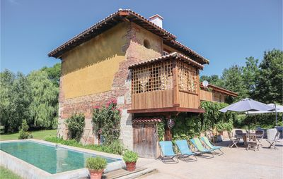 Photo for 5 bedroom accommodation in St. Paul de Varax