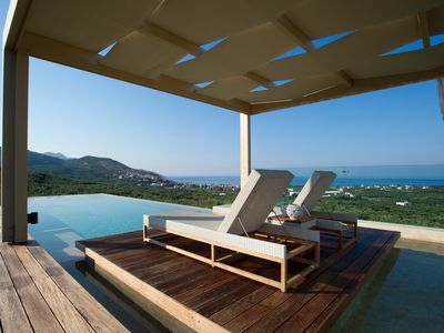 Photo for Luxurious villa with pool and magnificent sea-views