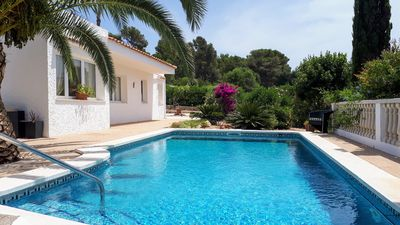 Photo for Comfortable villa with pool,  sea views, close to Santo Tomas beach