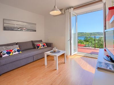 Photo for Apartment with sea view 100 m from the beach