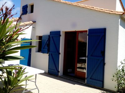 Photo for Villa 5 people, residence with pool and tennis, 350 m from the beach, 2 bikes