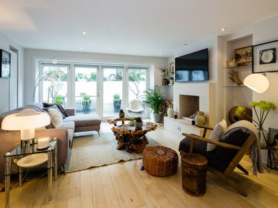 Photo for Trendy and exceptionally decorated 4 bed home in beautiful Notting Hill (Veeve)