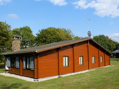 Photo for Comfortable bungalow with wellness facilities incl sauna, steam room & whirlpool