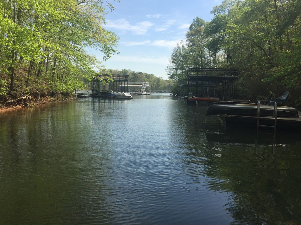 Lake house with dock on lake lanier near n ga mountains - 3 bedroom homes for rent in atlanta ga ...