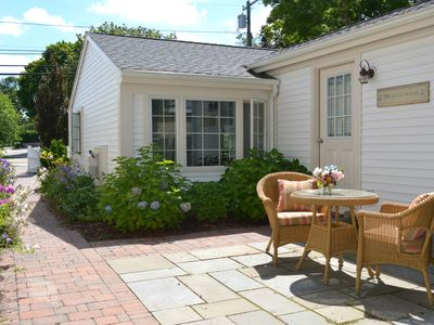 Stonington Cottage in the BORO-close to downtown Mystic, CT and Watch Hill, RI
