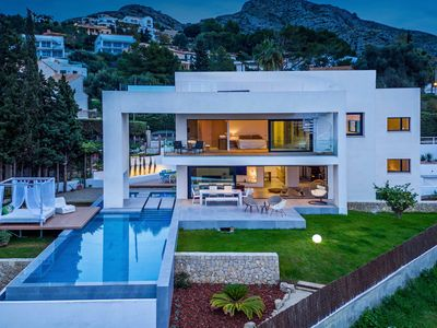 Photo for Impressive New Built Villa with Sea Views