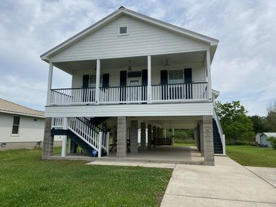 Photo for Pretty 3 bedroom cottage in walking distance  to the beautiful Waveland beach.