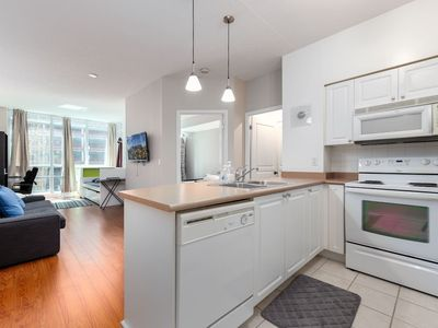 Photo for Heart of Downtown - 1BDRM+ Sofabed + Easy Parking!