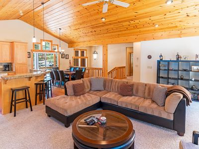 Photo for Grand Truckee Home, W/ HOA & Next To Golf Course