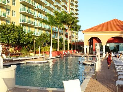 Photo for Breathtaking view 2/2 Apartment Bayfront, 2 minutes walking to the beach.