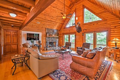 Lakefront living at its finest awaits for those who book this cozy cabin!