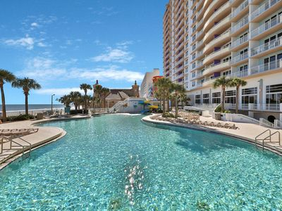 Photo for Beachfront condo w/ balcony/4 shared pools/3 hot tubs/lazy river