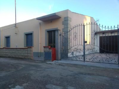 Photo for Detached house with garden 6 km from the beach