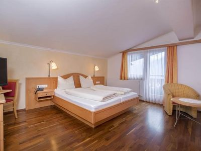 Photo for Triple room with shower or bath Bathroom, toilet - Hotel Filzstein