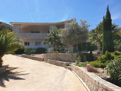 Photo for Villa 4 bedrooms, swimming pool 5 minutes from the beaches.