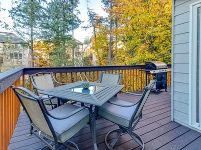 Photo for Family-friendly townhome w/full kitchen & furnished deck w/ grill