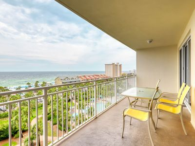 Photo for Beach condo w/ shared guest amenities - pool, fitness center & BBQ area!
