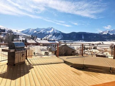 Photo for NEW LISTING! Spacious 2 bed 2 bath Condominium - close to the slopes