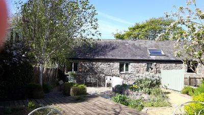 Photo for Beautiful Irish stone cottage close to Carlingford, Greenore and Lily Finnegan's