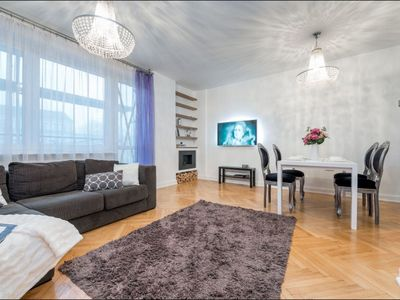 Photo for Tamka 2 apartment in Stare Miasto with WiFi, air conditioning, balcony & lift.