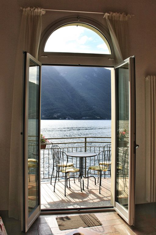 TOP WATERFRONT PALAZZO LAKE: Beautiful apartment (90 m2) with Terace ...