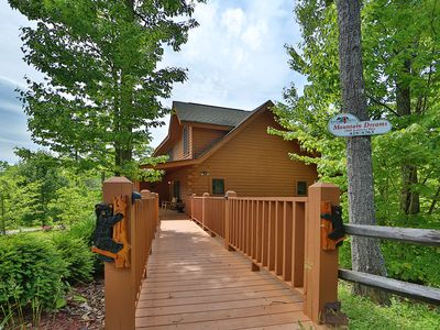 Photo for Beautiful Cabin in The Smokies, Hot Tub, Pool Table, Private Deck, Pool Access, Fishing, Putt Putt..
