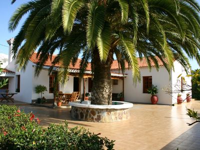 Photo for Traditional Canarian house with private pool in Vegas Valsequillo