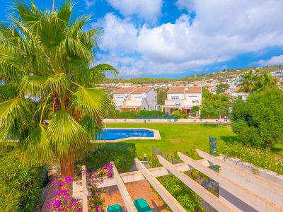 Photo for HAYDOCK, bungalow with communal pool in the hills of Calp