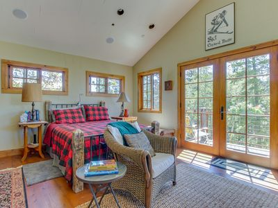 Photo for Quiet mountain view condo w/ private deck, close to skiing, trails, & town!