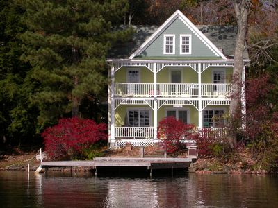 "Photo for Victorian cottage on the lake featured in 2nd session of ""Marvelous Mrs Maisel"""