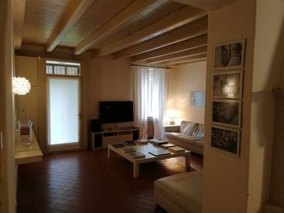 Photo for Rural house with large garden a few steps from Verona